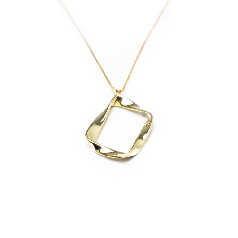 GOLD PLATED DESIGNED PENDANT