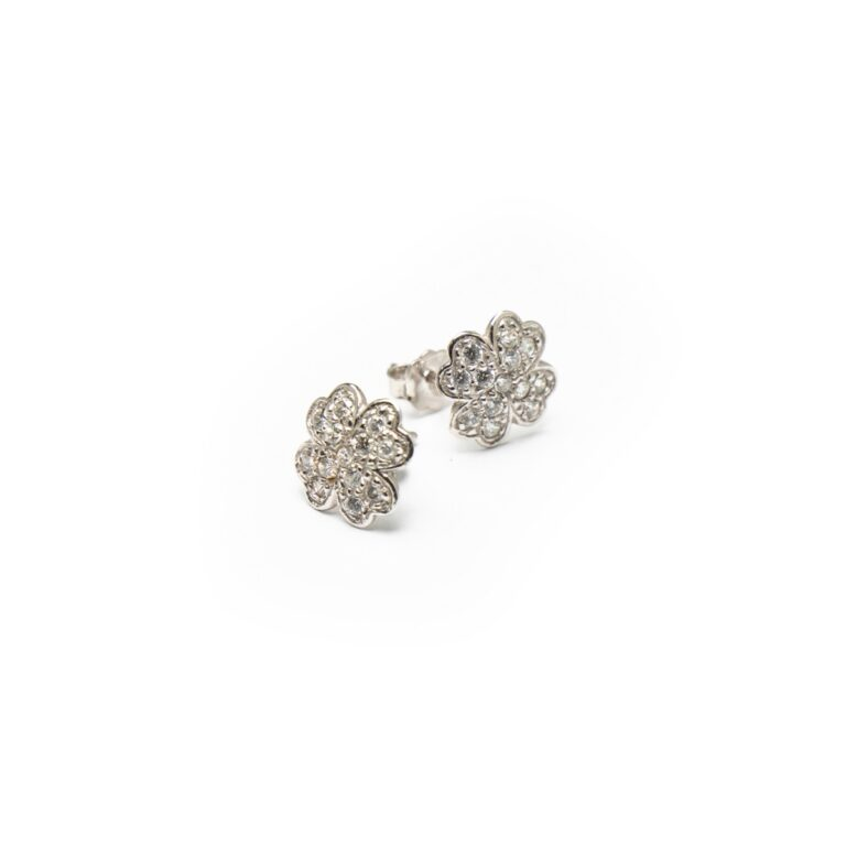 18KT WHITE GOLD FLOWER STUD EARRINGS