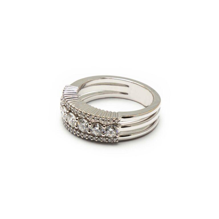 Dioamd Ring