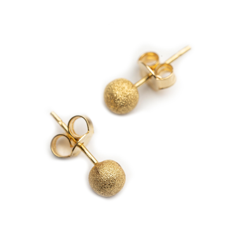 18kt Yellow Gold Stud Earrings