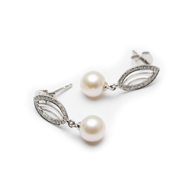 18kt White Gold Fresh Water Pearl & Diamond Earrings.
