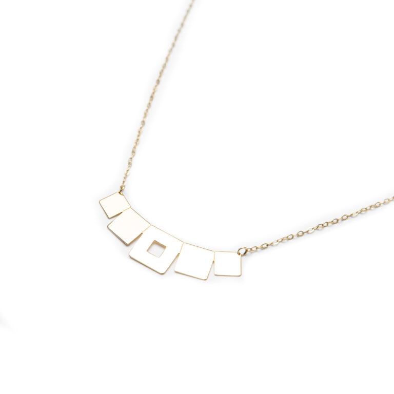 18kt Yellow Gold Esigned Necklace.