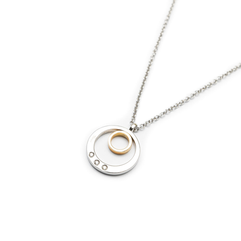 18kt Two Tone Diamond Pendant With Chain.